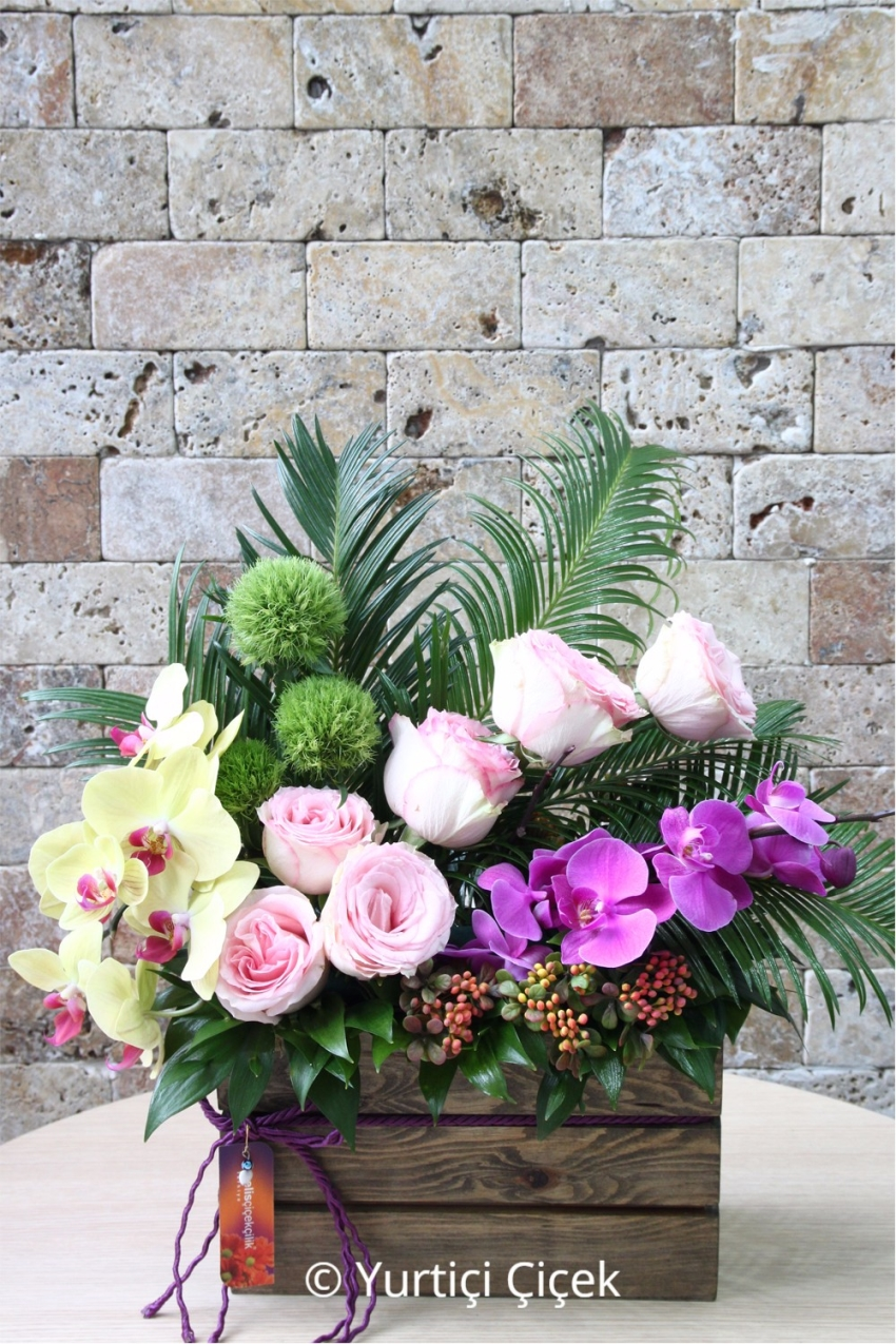 What do you say to charm your love with the magnificent beauty of purple and yellow orcs and pink roses on special wood.