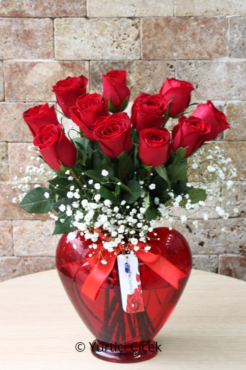 The best way to tell your lover who will be with 11 red roses in a glass vase design will send your heart .
