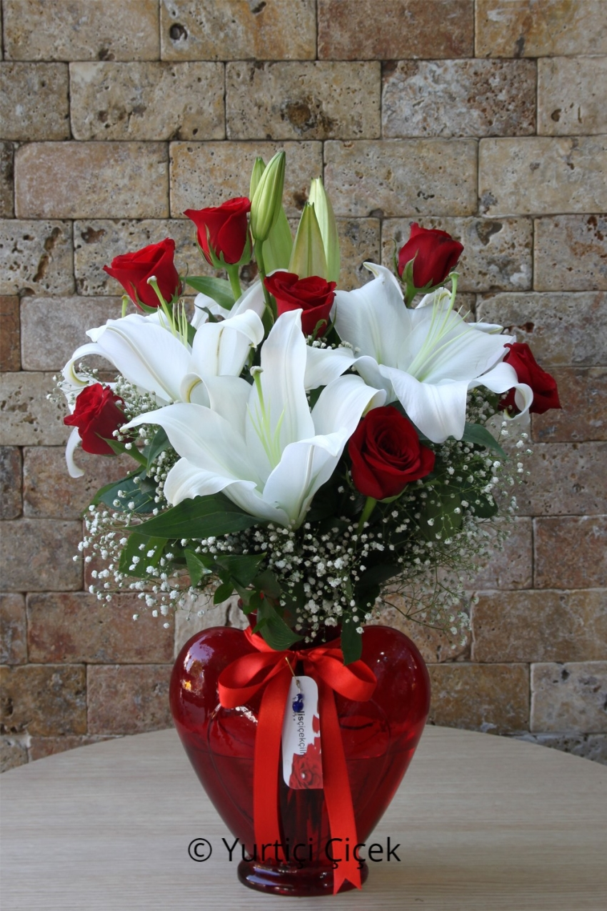 Heart Vase White Lilies and 7 Number 2 Department to tell your love bouquet of red roses in the best way.