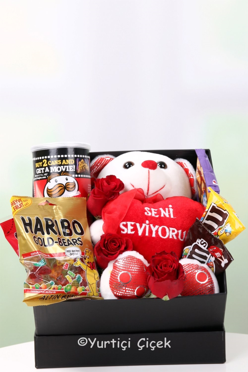 If you want to make beautiful and meaningful surprise, the box jellybeans, chocolates, chips and roses exactly the product.